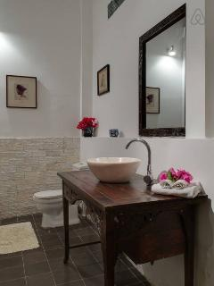 the 2 bedrooms villa's bathroom