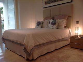 Fort Cambridge Designer 1 bedroomed apartment, Sliema