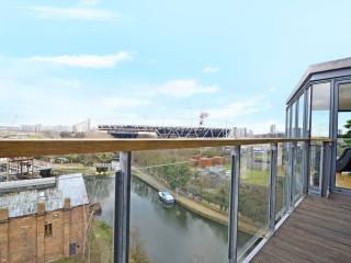Stunning Riverside views 5* 2 bedrooms 2 bath, Londres