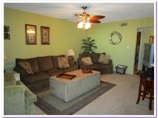 Poolside - Cozy and Affordable!, Pensacola Beach