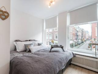 In Heart of the Jordaan with 3BR, Amsterdam