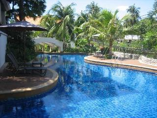 Sweep Yellow Villa, Phuket, Thailand, Karon