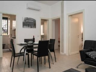 Elegant Vatican Apartment . Up to 5., Rome