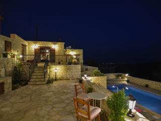 Aliki's house 2, Traditional luxury resort