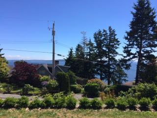 Ocean view, spacious and private one bedroom suite, White Rock