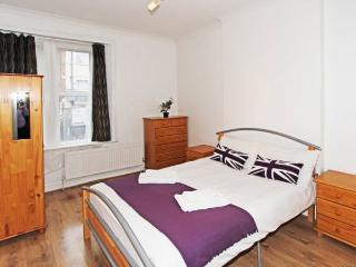 30.2B 2 Bedroom Flat in Willesden Green - Zone 2, London