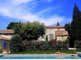 La Choisity - Bastide 18th for Rent near Avignon, Aramon