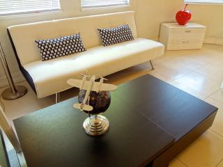 Absolute best location in SOBE for this nice 1 bed, Miami Beach