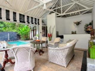 Charming 4 Bedroom Colonial Style in Seminyak