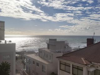 Sea front Self-Catering Apartment - Bantry Bay