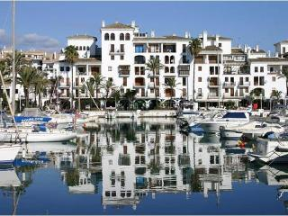 Luxury Ground Floor Apartment in Duquesa Village, Puerto de la Duquesa