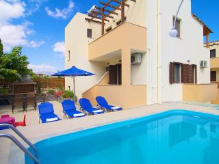 Villa Emily - Close to Beach & City!, Prines