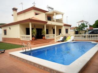 HOLIDAY VILLA IN LA BARROSA ON COSTA DE LA LUZ, Chiclana de la Frontera
