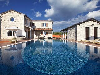 Luxury villa with pool for rent in Istria, Svetvincenat