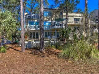 13 Mizzenmast Court-Golf Course View w/ Pool and Quick walk to Harbourtown, Hilton Head