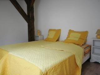 La Palombiere chambre jaune