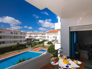 Apartment in Albufeira Town, beach at 10 min walk