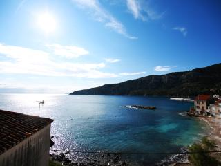 Amazing view 3 room apt, beach, Comisa