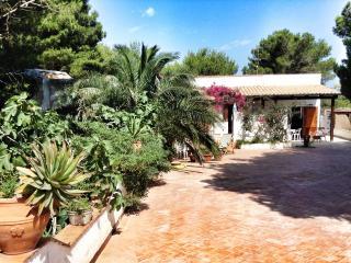 Dependance Eden, studio a few steps from Cala Ross, Favignana