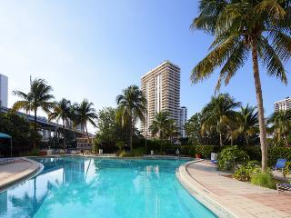 1BR + Den as 2nd Bedroom, Sunny Isles, Florida Condo, across the beach!