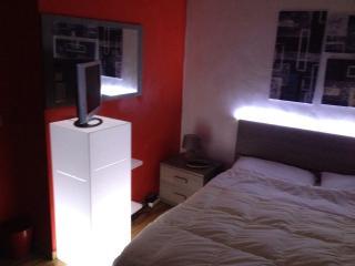 camera da letto con led