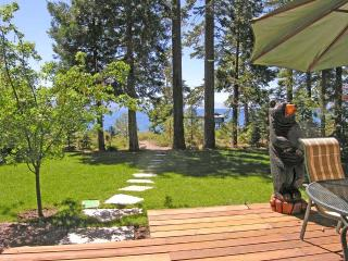 Burch Tahoe Lakefront - Hot Tub & Dog Friendly, Carnelian Bay