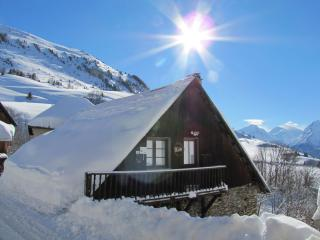 Chalet  L'Aurelie, Alpe D'Huez Grand Domaine,for great Skiing & Cycling holidays