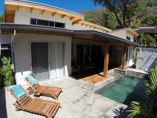 Costa Va De Villa - Beautiful surf villa with pool, Santa Teresa