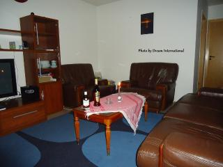 Apt with a north sea view (To Akranes) Newly Added, Reykjavik