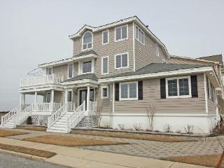 3388 Ocean Drive, Avalon