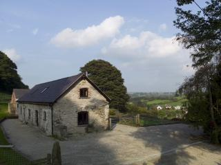 Ysgubor y Cwm: 5 Star, Peaceful & Detached- 178678, Mold