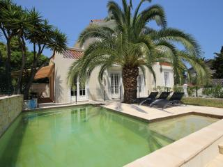 Villa with 3 bedrooms and pool near the beach, Antibes