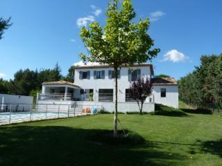 Holiday rental Villas Aix en Provence - Puyricard (Bouches-du-Rhône), 260 m², 3 500 €