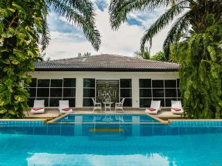 Villa Dolce Vita Bangtao Beach Phuket, Bang Tao Beach