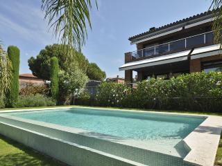 Villa Bach, Caldes d'Estrac