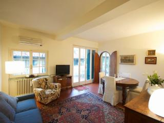 Lodging with 360o view terrace -near Pontevecchio