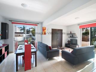 Orestiada 14, 3 bedroom budget villa with pool
