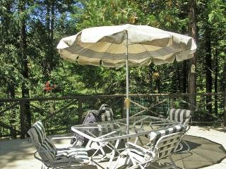 Spacious, Lodge-Style Retreat right off the  Blue Lake Springs Golf Course., Arnold