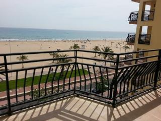 Apartments for summer. Beach of Gandia 1 line