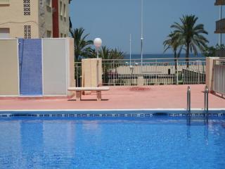 Apartments Ondina. Beach of Gandia 1 line