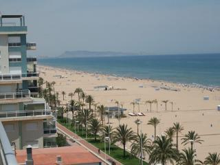 Apartment for rent in the beach front line Gandia