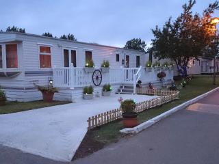 Large Mobile home - Waterside park resorts