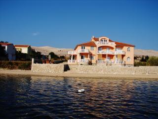 Seaside apartment in Vidalici, Croatia, with balcony overlooking the sea