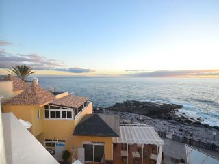 Outstanding views 2 bedroom 2 levels penthouse on, Playa Paraíso