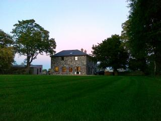 Large Irish farmhouse in centre of Ireland, Portlaoise