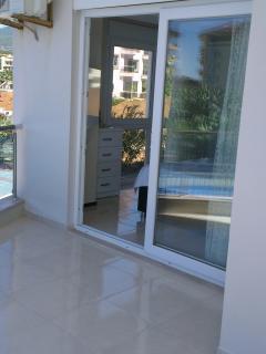 Bedroom - sliding doors to balcony