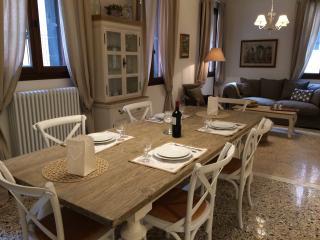 Romantic Rialto, City of Venice