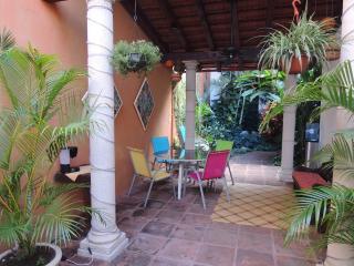 Casa de Dos Tortugas Bed and Breakfast