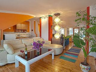 Villa Tania Penthouse 4/5 P,Sea View, Hvar