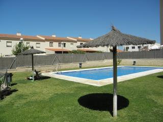 HOLIDAYS IN JEREZ FRONTERA- POOL,, PARKING  & WIFI, Jerez De La Frontera